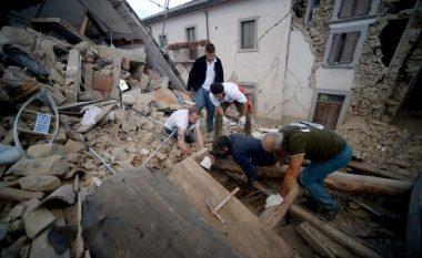 Historitë tronditëse nën gërmadha (Video)