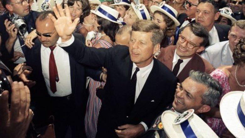 Historia e John F. Kennedy: Njeriu që na bëri të ëndërronim Hënën dhe pastaj na e dha (Foto)
