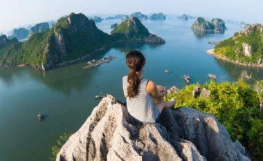 Udhëtimi na bën më të lumtur sesa çdo material tjetër që ekziston
