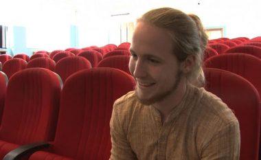 Dashuria ndaj shqiptares, austriakut ia mësoi gjuhën shqipe (Video)