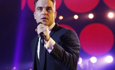 Robbie Williams performon në funeralin e menaxherit të tij! (Foto)