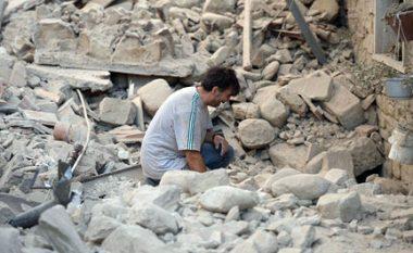 """Tërmeti në Itali: Pamje LIVE nga qyteti që """"nuk është më"""" (Video)"""