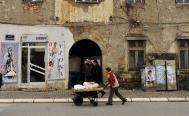 Kosovarëve po u rëndohet jeta