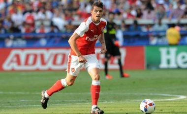 Xhaka iu tregon fansave të Arsenalit se për çfarë ka nevojë