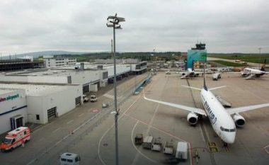 Ndodh edhe kjo: Marokenia kapet në aeroport duke bartur me vete zorrët e burrit të saj të vdekur