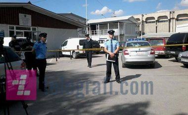 Policia largon granatën e dorës te Qeveria