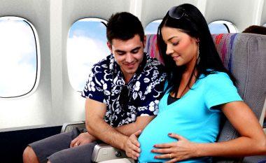 A është i sigurt fluturimi me aeroplan gjatë shtatzënisë?