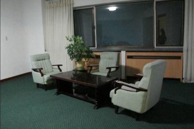 Hotelin me gjashtë yje që ndodhet në Kore të Veriut vizitoret e kane cilesuar si burg foto 8