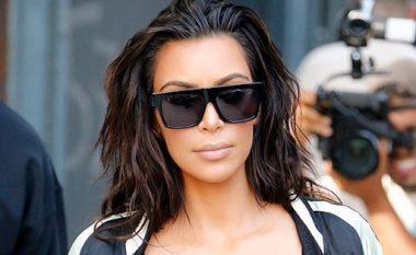 Kim Kardashian: Gjashtë momentet kur doli pa jelekë dhe iu ekspozua gjoksi (Foto, +18)