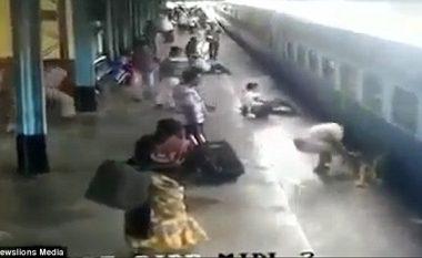 Polici vepron me shpejtësi dhe ndalon një tragjedi të mundshme (Video)