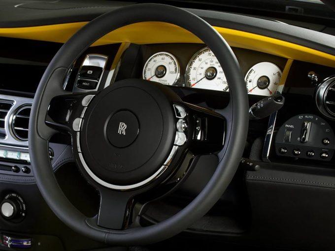Rolls Royce Wraith i mbuluar me ngjyre te verdhe ari foto 4