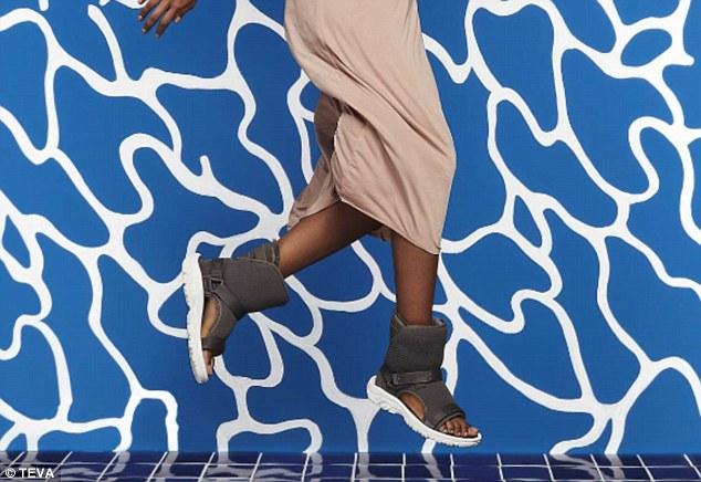 Sandalet e shëmtuara që kanë çmim marramendës foto 2