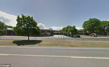 Suspendohet nga shkolla, veç pse e postoi fotografinë e ujit të turbullt (Foto)