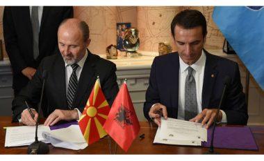 Vëllazërohen bashkia e Shkupit dhe Tiranës
