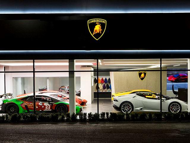 Urus i ri nga Lamborghini do te jete i pershtatur per familjare dhe gra beqare foto 5