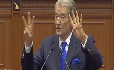 Berisha ngatërrohet me gishtat në Kuvend (Video)