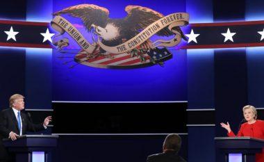 Shkëmbime të ashpra në debatin Clinton-Trump