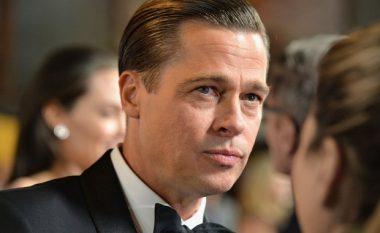 Pas ndarjes prej Joliet, Pitt takohet fshehtas në një hotel me Anistonin