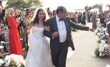 Dhëndri miliarder, vjehrri edhe më miliarder – kështu dukej dasma që pushtoi mediat botërore (Foto/Video)