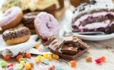 Çfarë do t'ju ndodhte nëse do të eliminonit sheqerin për vetëm nëntë ditë?