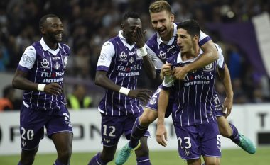 Toulouse shokon PSG-në (Video)