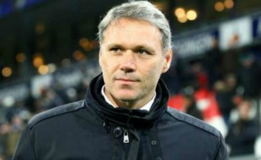 Van Basten: Milani do ta kthej lavdinë e tij