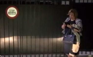 Ky është momenti kur Janeva e detyron policin që të hap derën e MPB-së (Video)