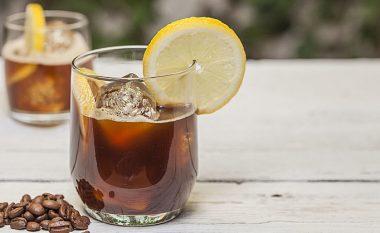 Përbërësi që duhet t'i shtosh kafes për të pasur një përvojë krejt të re shijeje
