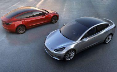 Tesla shtyn datën e lansimit të Model 3 (Foto)