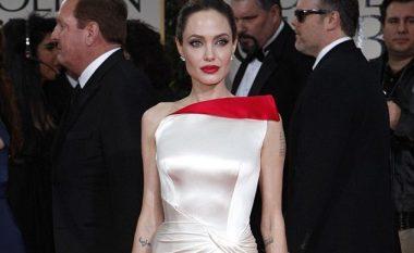 Angelina Jolie pas divorcit, fillon bisedimet për filmin e radhës (Foto)