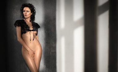 Bleona Qereti pozon 100 për qind nudo (Foto, +18)
