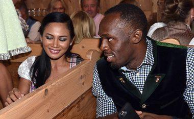 Bolt vazhdon flirtin me femra, festa e tij zhvendoset në Gjermani (Foto)