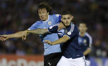 Vazhdon injorimi i Icardit nga Argjentina