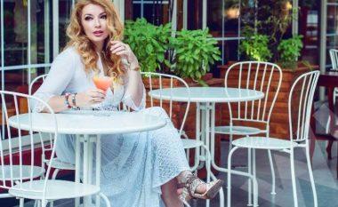 Rovena Dilo shihet shumë e afërt me mikun e saj serb, a është kjo arsyeja pse shkoi në Beograd? (Foto)