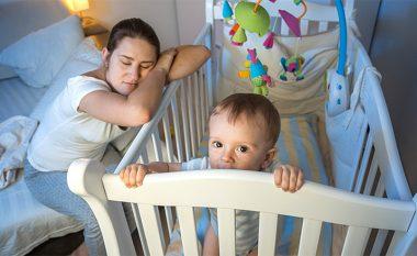Fëmija nuk fle? Gabimet që bëjnë prindërit