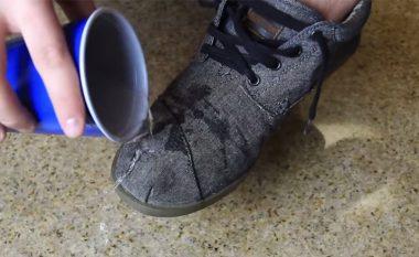 Truk gjenial: Kurrë më nuk do të keni këpucë të lagura! (Video)