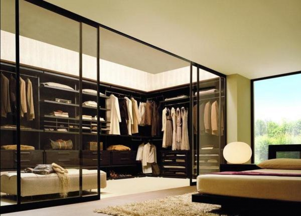 master bedroom walk in closet gard 235 roba p 235 r t 235 cilat shum 235 njer 235 z vet 235 m 235 nd 235 rrojn 235 19168